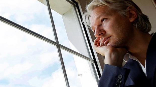Assange-01