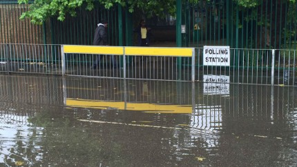 160623-flooded-polling-station