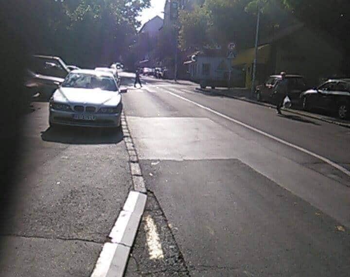 Beograd ali nije na vodi. Beograd ni na vodi ni na hlebu. Samo goli asfalt.