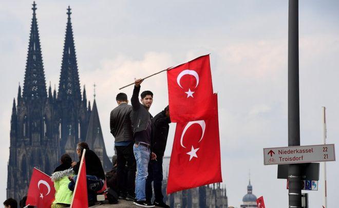 Protesti u Nemačkoj. Više od 3 miliona turskih državljana živi i radi u Nemačkoj