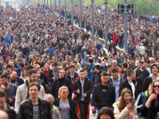 protesti-protiv-diktature-u-srbiji-beograd-brankov-most-prelazak-2017