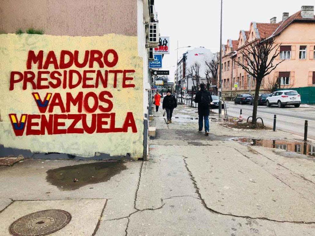 Predsednik Maduro - Idemo, napred Venecuela - grafit ispisan sa jasnom podrškom Predsedniku Maduru i građanima Venecuele