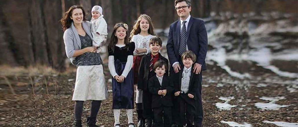 """Oduzeli petoro dece zato što su deca bila """"indokrinirana"""" hrišćanskim uverenjima. Vlasti su čak uzele i tromesečnu bebu"""