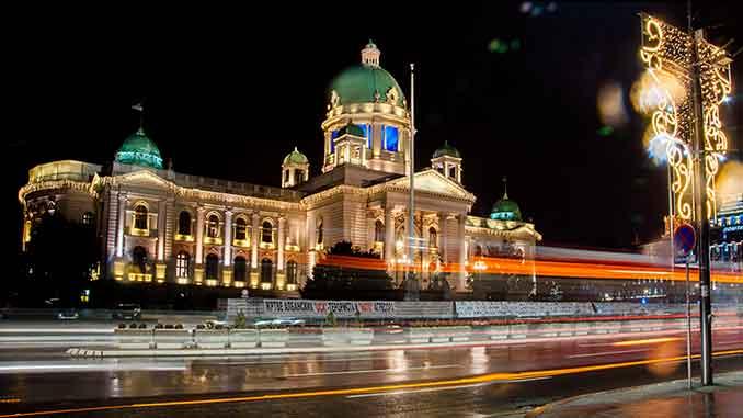 Skupština Srbije i dalje prazna. Zakletva poslanika se neće održati u Skupštini Srbije već u koncertnoj dvorani Sava Centra.