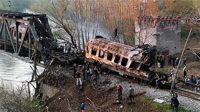 Bombardovanje putničkog voza u Grdeličkoj klisuri od strane NATO odbrambenog saveza